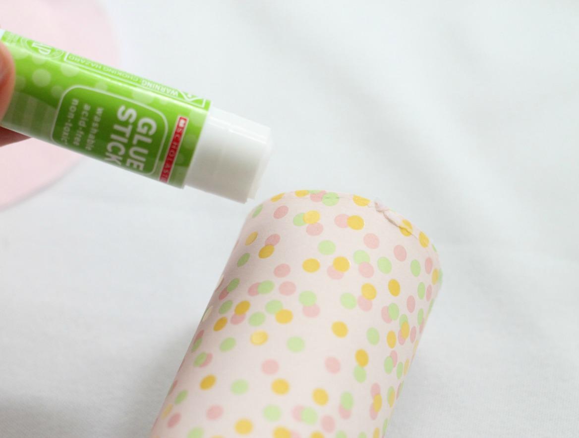 DIY Confetti Popper - gluing tissue paper