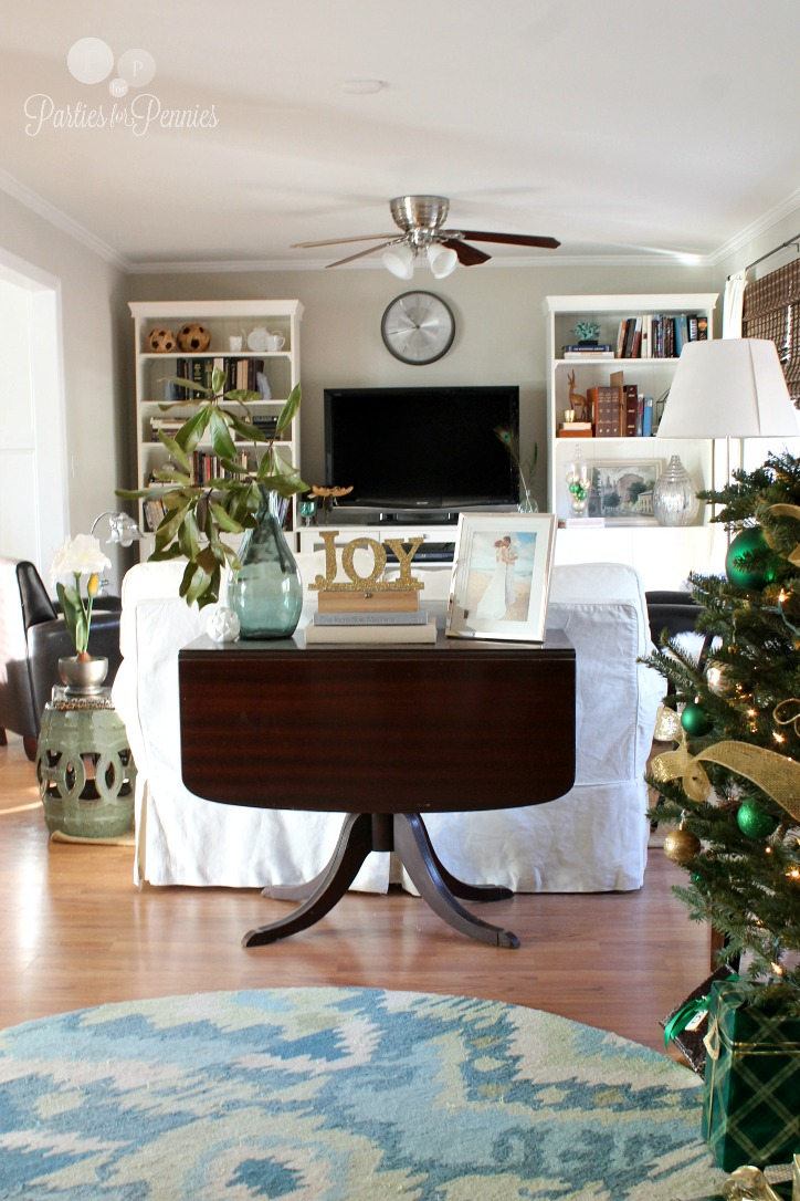 10 Budget Friendly Christmas Entertaining Ideas by PartiesforPennies.com 13