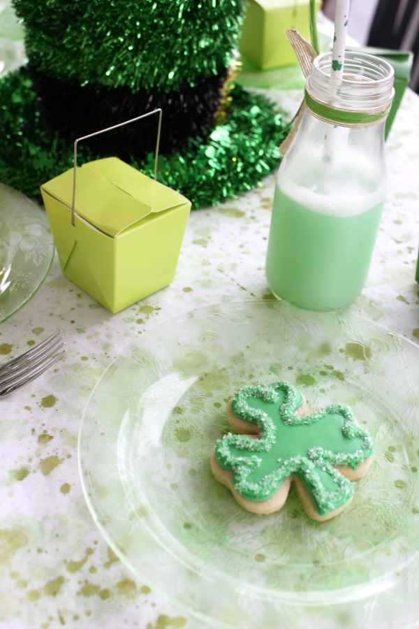 St Patricks Day Party on PartiesforPennies.com | Project Housewife Feature