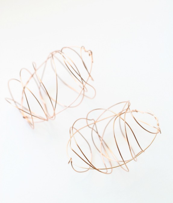 Copper Wire Easter Egg Craft by PartiesforPennies.com