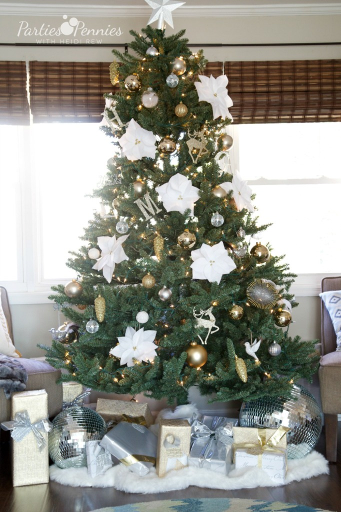 Ways to Save During Christmas | PartiesforPennies.com | #christmas #holiday #tree #decorating #silverandgold