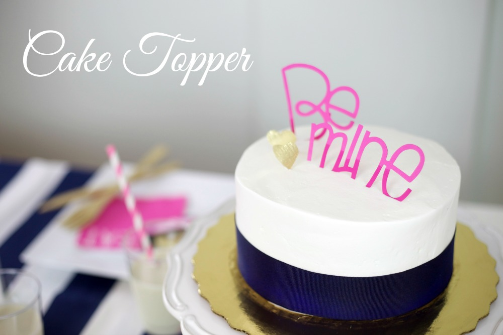 Valentines Day Party | Cake Topper | PartiesforPennies.com | #valentinesday #valentine #party #caketopper