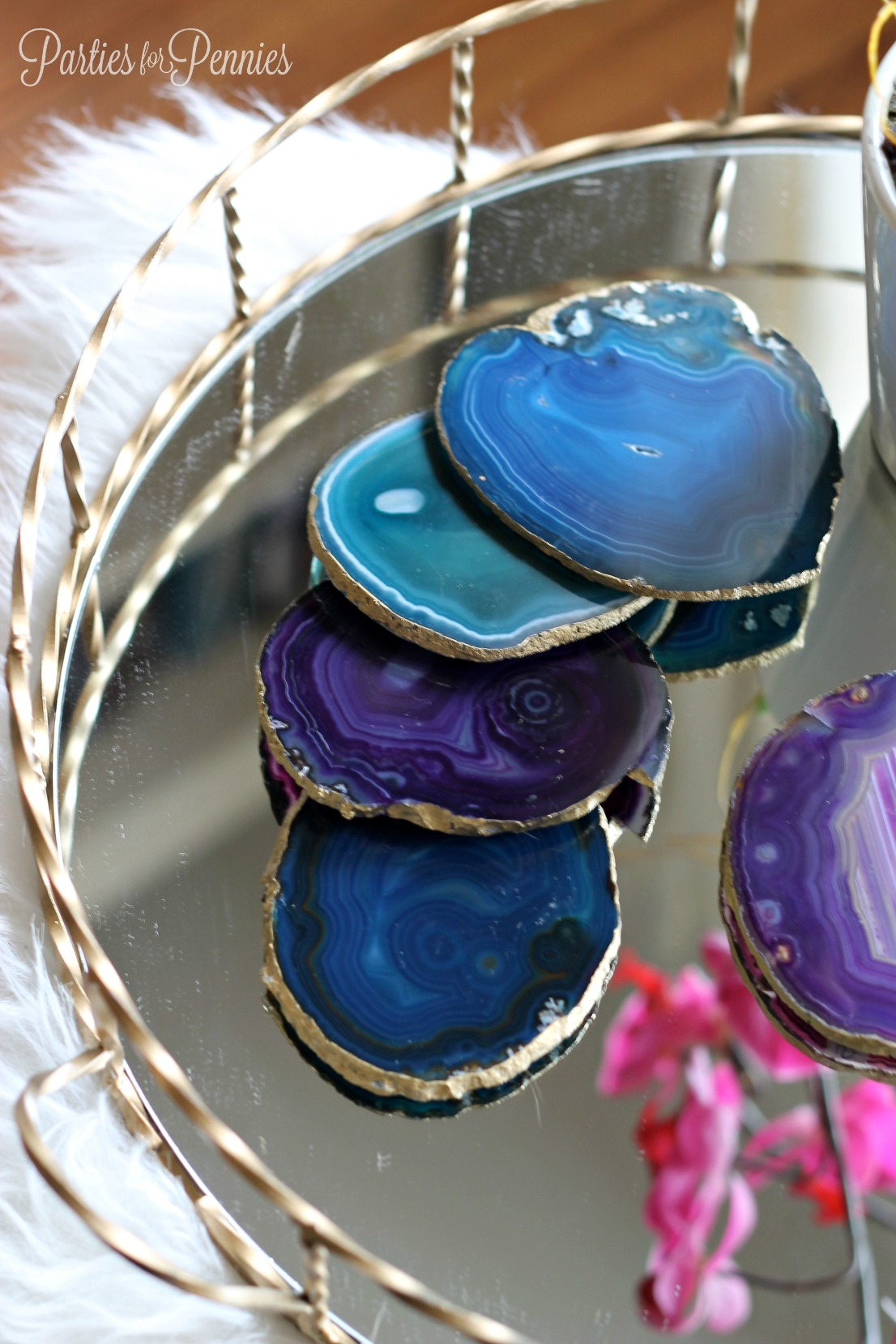 DIY Agate Stone Coasters | PartiesforPennies.com | #diy #coasters #agatestone #gold #gift