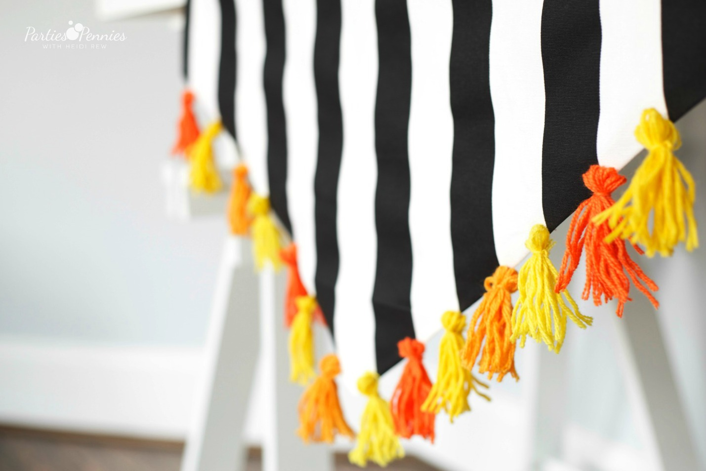 Black White & Citrus Baby Shower | #babyshower #bridalshower #tablerunner #diy #tassels