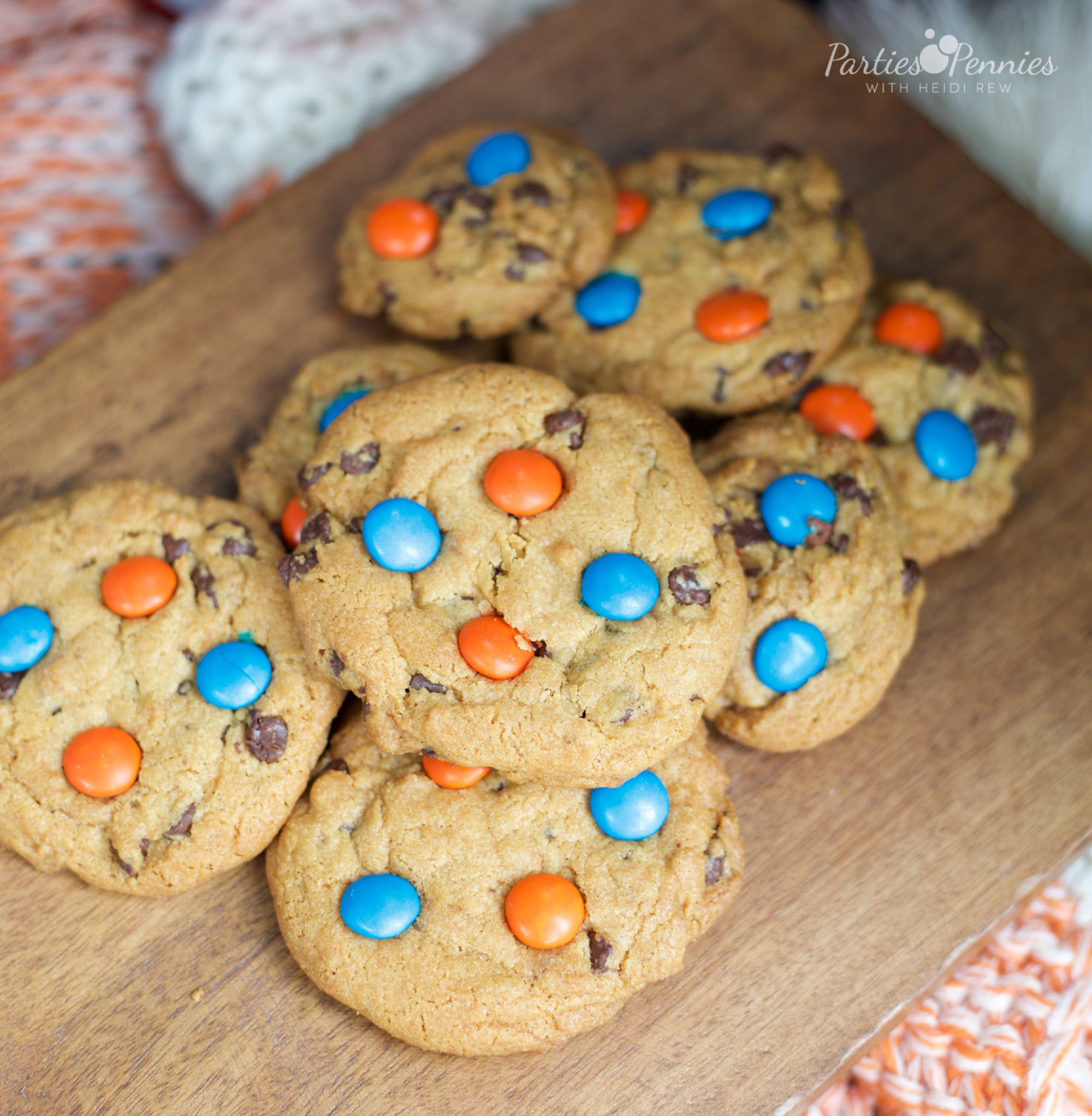 Coca-Cola Fall Football Sam's Club | How to Throw a Tailgate Party | School Color Cookies | PartiesforPennies.com | #tailgate #floridagators #universityofflorida #shareyourspirit