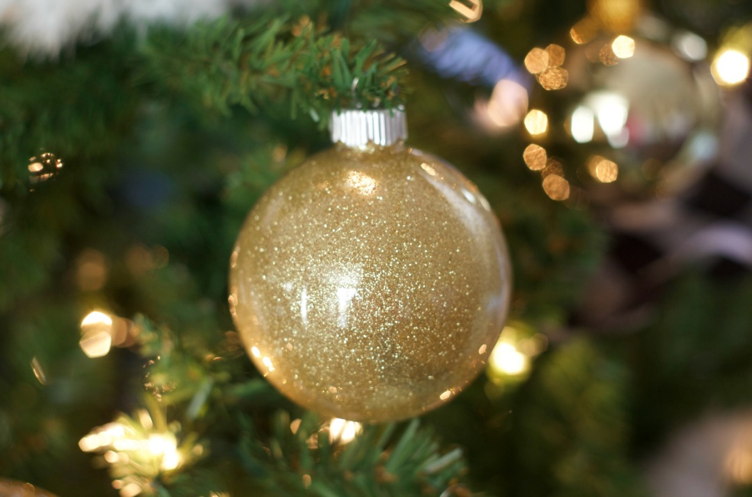 Glitter Ornaments DIY by PartiesforPennies.com 1