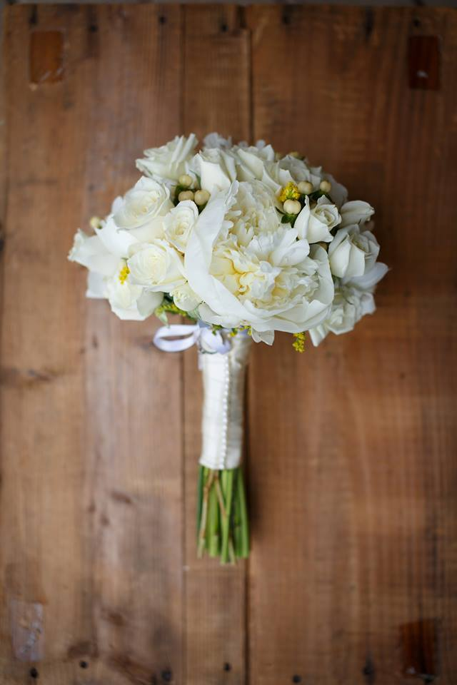 15 Wedding Ideas that are Budget-Friendly by PartiesforPennies.com | Everything you need to know if you're planning a wedding - Invitations, Photography, Wedding Inspiration, Wedding Cakes, and more!