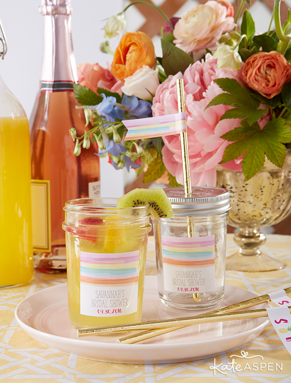 Everything you need to throw a Palm Spring Inspired Bridal Shower! Check out this Pineapple and Palms Bridal Shower with Kate Aspen on PartiesforPennies.com | Tropical Mimosa Recipe