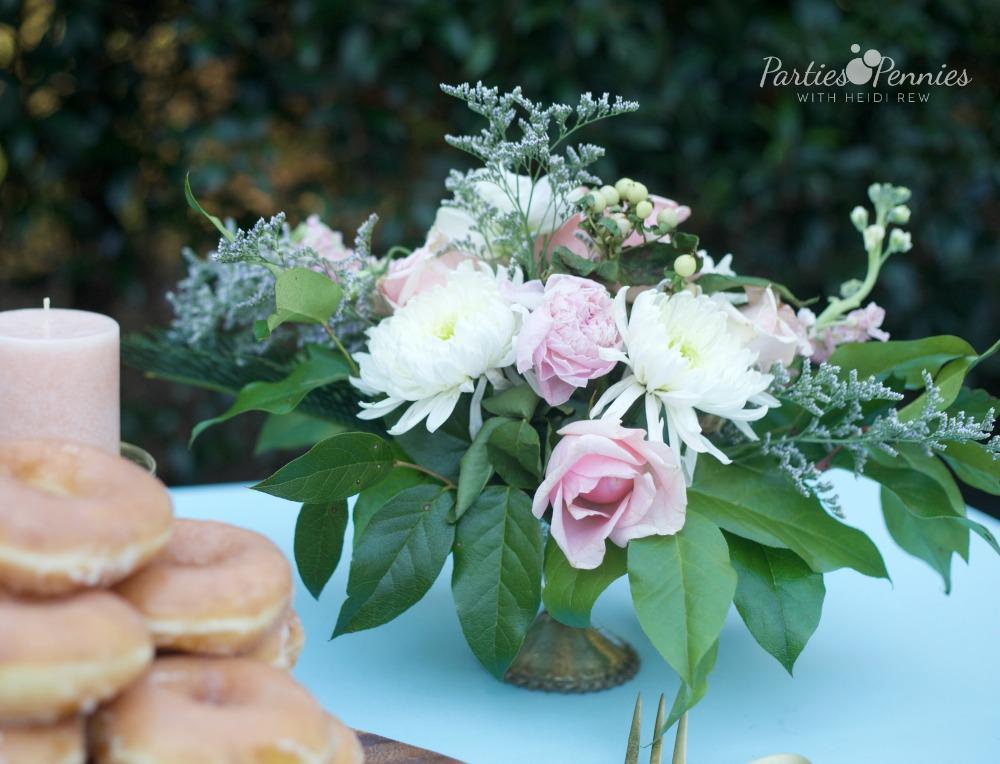 How to Plan a Wedding for under $5,000 | PartiesforPennies.com | Pink, Blue, Gold, Floral Arrangement, DIY Flower Arrangement