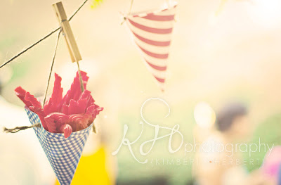 How to Throw a Low Country Boil Party by PartiesforPennies.com | summer, backyard party, birthday party idea, crawfish boil