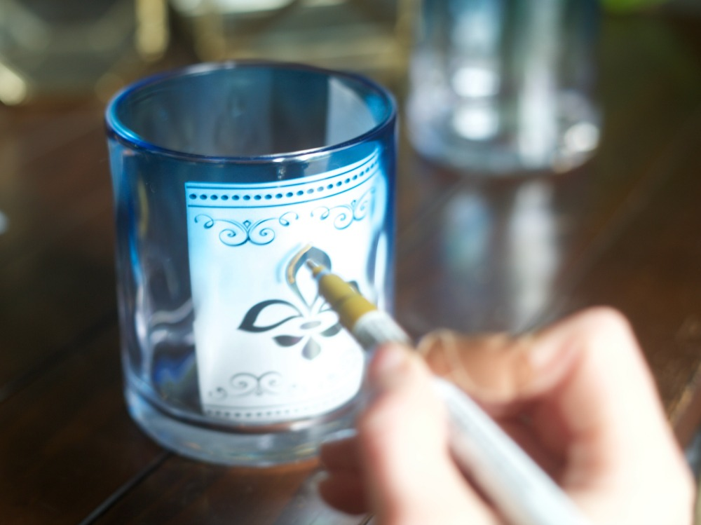 DIY Moroccan Glasses by PartiesforPennies.com | Paint Pen, Craft, Entertaining, Tablesetting, Place Setting, Drink, Homemade Gift