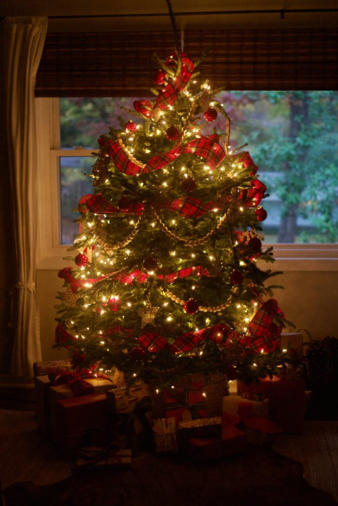 Christmas Home Tour by PartiesforPennies.com | Red, Green, Plaid, Christmas Decorations, Christmas Tree, Paid Ribbon, Christmas Tree Lights