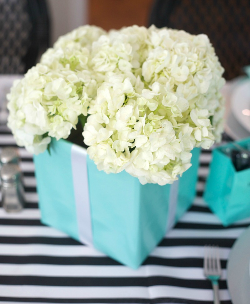 Breakfast at Tiffany's, Centerpiece, tiffany box centerpiece