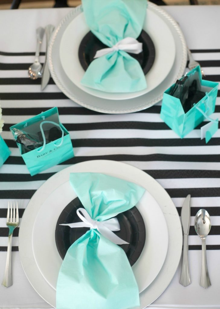 Breakfast at Tiffany's Baby Shower, Placesetting